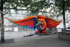 Vulture cellograff (Fat Heat .hu) Tags: bird colors graffiti rainbow budapest wing vulture ams cfs akvárium coloredeffects artmoments cellograph
