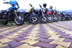 6627 - Lineup at Malshej (Yazed RD350 Lord) Tags: fun ride roadtrip riding yamaha ghats ghat croup rd350 malshej