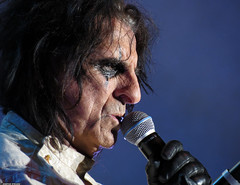 20120808_22 Alice Cooper at Liseberg | Gothenburg, Sweden (ratexla) Tags: show life people musician music man men guy celebrity rock musicians gteborg person concert europe artist tour rockstar sweden earth live famous gothenburg gig performance guys dude entertainment human liseberg artists rockroll horror shock celebrities sverige celebs rocknroll musik dudes scandinavia celeb humans scandinavian konsert 2012 alicecooper goteborg tellus homosapiens organism storascenen cmwd cmwdblue photophotospicturepicturesimageimagesfotofotonbildbilder notintheeternityset canonpowershotsx40hs 8aug2012