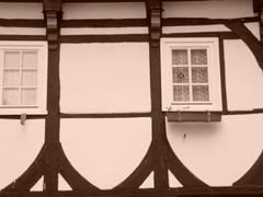 """FACHWERK (""""LINQUENDA"""") Tags: bw alt fenster haus aus holz minden weiss schwarz innenstadt fachwerk balken"""