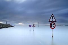 Passage du Gois ~ Île de Noirmoutier [ Vendée ~ France ] EXPLORED #4 ! (emvri85) Tags: longexposure noirmoutier croix panneaux iledenoirmoutier floodedroad passagedugois barbatre leefilters legois expolongue noirmoutierenlîle bigstopper mygearandme routesouslamer chaussésubmersible