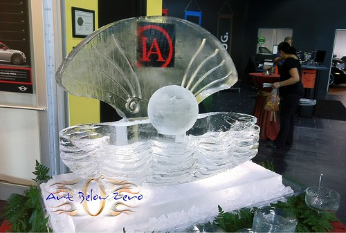Clamshell with Pearl 2 block Ice Sculpture