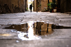 Un charco (Sonia Grases) Tags: street photo barcelona calle dels petons charco water quiet city