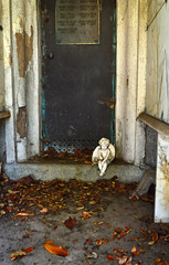 Angel at the Door (Courtney Thompson) Tags: graveyard mountain view cemetery color nikon 3200 urbanlandscape halloween angel crypt