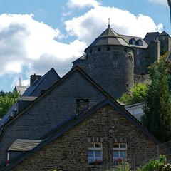 Monschau Burg - 2016 - 002_Web (berni.radke) Tags: monschau eifel rur montjoie nordrheinwestfalen rureifel burg schloss castruminmunjoje hhenburg
