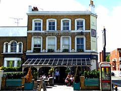 Duke of Cambridge- Battersea (Draopsnai) Tags: dukeofcambridge pub traditionalbritishpub londonboozer batterseaparkroad banburystreet battersea wandsworth