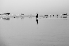 At Marina beach (Akilan T) Tags: cwc553 canon5dmk3 canon akilanphotography akilan rainyday walking reflections india tamilnadu chennai marinabeach marina chennaiweekendclickers cwc