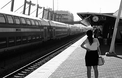waiting the train (Rodrigo Uriartt) Tags: waiting train trem haifa israel bw mono monochrome pb urban streetphoto streetphotography fujifilm xpro1