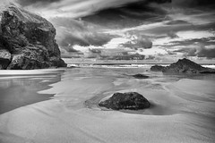 Colour Blind ! (silvcurl009) Tags: bedruthan steps cornwall water mono monochrome blackandwhite sea seascape landscape sand shore shoreline clouds rocks formations sun sunshine