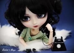Anya on the phone to Scarlett (pure_embers) Tags: uk red dark eyes dolls phone telephone gothic hood rug pullip bloody pure anya embers realistic leeke obitsu leekeworld