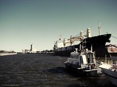 """""""...and show us the way"""" / """"...y nos muestren el camino"""" (Claudio.Ar) Tags: city santafe color topf25 water argentina port harbor boat dock sony ciudad dsc h9 claudioar claudiomufarrege rememberthatmomentlevel1"""