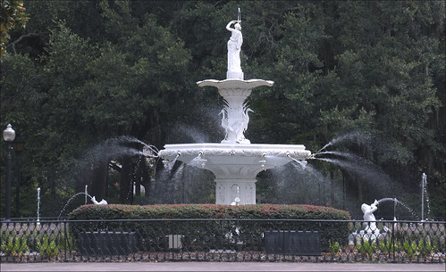 Fountain in Forsyth Park -- Savannah (GA by Ron Cogswell, on Flickr