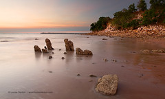 (Louise Denton) Tags: sunset red sea beach sand rocks nt australia darwin cliffs mindilbeach