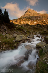 Water comb at pirinees (anderto) Tags: rio atardecer pirineos erreka ilunabarra pirineoak canonikos leehardgnd06 leend12