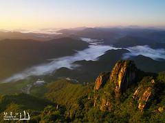 Daedunsan Provincial Park  - IMGP2136 (oasisframe) Tags: mountain nature clouds sunrise landscape dawn korea ridge southkorea daedunsan 645d mtdaedun daedunsanprovincialpark