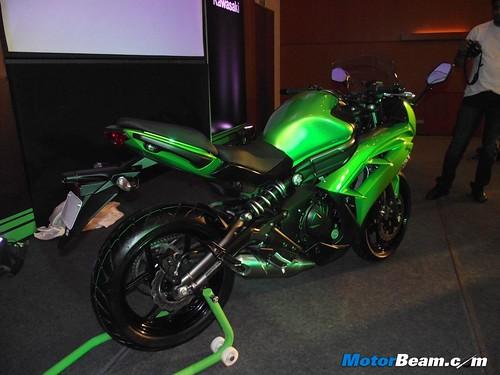 2012-Kawasaki-Ninja-650-Launch-07