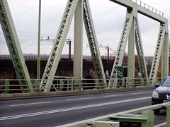 Runcorn 15 Nov 2008 076 (DizDiz) Tags: cheshire girders railwaybridge roadbridge olympusc720uz