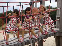 Kletterkinder wollen nach oben ... (Kindergartenkinder) Tags: dolls sommer kindra tivi setina annettehimstedt kindergartenkinder himstedtkinder sanrike naturbadolfen
