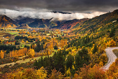 The Autumnal Oasis || ARROWTOWN || NEW ZEALAND (rhyspope) Tags: nz new zealand arrowtown autumn fall mountain nature rhys pope rhyspope canon 5d mkii cloud south island crown range valley yellow red orange tree foliage