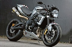 2012-Ace-Cafe-675CR-Street-Triple-Limited-Edition