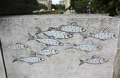 Maddia_8818 quai Andr Citron Paris 15 (meuh1246) Tags: streetart paris maddia quaiandrcitron paris15 animaux poisson