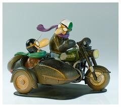 Joe Bar Team Guzzi 850GT (iveka19) Tags: joebarteam joebar figurine moto motorcycle ventsdouest figur motard motorradfahrer biker bd comicbook italy vtwin