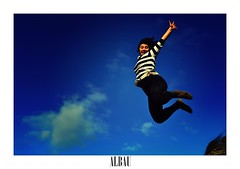090412 (ALTBAUT) Tags: jump blue blau girl pretty beautiful sand sky clear active action move movement happy blunt stripes honest