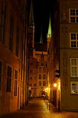 Gdansk by night (chrysaor1234) Tags: gdansk streets street lights night nightlight light yellow house church windows poland polska