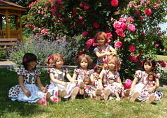 Die Wiesen lassen gren ... (Kindergartenkinder) Tags: rosengarten seppenrade kindergartenkinder annette himstedt dolls annemoni leleti kindra milina sanrike setina tivi momo reki