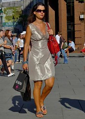 glitter (try...error) Tags: wien vienna tourist pretty sexy female woman girl leica dlux5 dlux shades mobile phone walk street streetphoto streetphotography snap snapshot people downtown dress