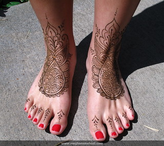 Simple bridal feet