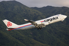 """LX-WCV, Boeing, 747-4R7F, """"Cargolux Airlines International"""", Hong Kong (Daryl Chapman Photography) Tags: climb is cargo international ii 5d boeing airlines heavy departure 747 cv cargolux freighter mkiii 744 70200l f28l 25l 744f vhhh 7474r7f"""