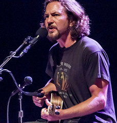 Eddie Vedder fluit Once Upon A Time In The West (3FM) Tags: music amsterdam foto ben grunge pearljam presents solo muziek acoustic pearl eddie jam 2012 eddievedder carr vedder carre koninklijktheatercarr 3fm eddyvedder houdijk fotobenhoudijk