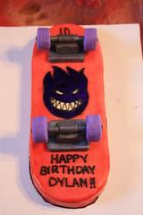 Skateboard Cake by Gloria P., www.birthdaycakes4free.com