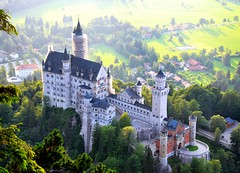 Neuschwanstein in the evening (ystenes) Tags: castle germany bayern deutschland bavaria neuschwanstein tyskland fssen hochschwangau mygearandme mygearandmepremium mygearandmebronze mygearandmesilver mygearandmegold mygearandmeplatinum mygearandmediamond