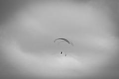 (__AK__) Tags: white black clouds vent noir wind bretagne nuage blanc parapente finistre menezhom