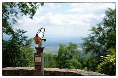 Une question de point de vue (Dream_Searcher) Tags: blue sky mountain tree 35mm point landscape nikon dof view bokeh hill short nikkor 18 paysage vue 18g d5100
