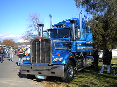 Fate Kenworth W900 (KW BOY) Tags: show old tractor classic truck prime big model w transport australian semi lorry skool alexandra fate rig hauling express conventional mover trucking kw 2012 kenworth haulage w900