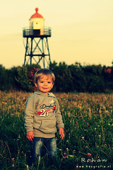 Sunshine (Reografie) Tags: boy sunset portrait haven cute love child disney kind portret vuurtoren fotoshoot bestkidintheworld hoekvanholand nibbie reografie hvanholland