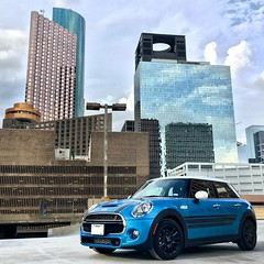 Mini Cooper F55 / Four Door / Five Door (J-a-x) Tags: architecture downtown usa texas houston minicooperhardtop minicooper 5door 4door fivedoor fourdoor minif55s minif55 blue car sportscar hatchback f55s f55 hardtop minihardtop minicoopers coopers cooper mini