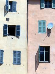 (MAGGY L) Tags: dmcfz200 fentres faades volets windows parabole dishaerial soleil sud grasse