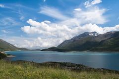 Le reflet du ciel, les couleurs de la montagne. (nathalie.beauchamp7) Tags: t barrage france mont cenis frontire italie eau lac moncenisio