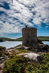 Cromwell's Castle, Tresco, Isle of Scilly (splib1) Tags: cromwellscastle cromwell castle blue rocks bay green clouds cannon tresco isleofscilly englishheritage gradeiilisted fern heather 17thcentury civilwar
