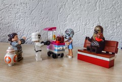 Time for a snack (sander_sloots) Tags: lego moc star wars emma cupcake stand rey bb8 friends chewbacca snack stormtrooper starwars legofriends stall kraam