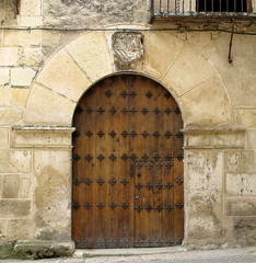 A massively arched doorway, Pedraza, Spain (Hunky Punk) Tags: arch dwwg doorway arched pedraza spain castile lon castilla