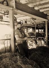 Feierabend im Stall (Farmerbaer) Tags: swissfarmer schweizerbauer farmhand stallknecht melker milker melkerbluse laendlich paysan burly butch beefy brawny stocky muscled hairy bearded staemmig