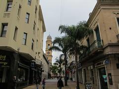 "Montevideo: la vieille ville <a style=""margin-left:10px; font-size:0.8em;"" href=""http://www.flickr.com/photos/127723101@N04/29750683375/"" target=""_blank"">@flickr</a>"