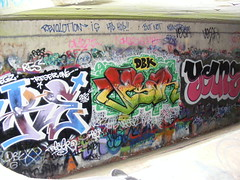 Top wall echo (Creativityisdead) Tags: streetart art graffiti diverse lol tag young styles graff dub wildstyle throwie reser dbk vesar resone