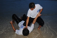 Bullying beach fighting (Beer Klongklaew) Tags: blue white black beer by portraits photography eyes production inspire postproduction rankin preproduction klongklaew