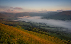Milk Valley (Uldis K) Tags: uk england mist fog sunrise landscape morninglight nationalpark peakdistrict peak edale edalevalley highpeak mamtor britnatparks